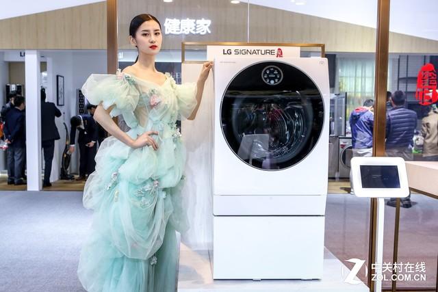 展台绽放婚纱秀 LG玺印携兰玉诠释美学