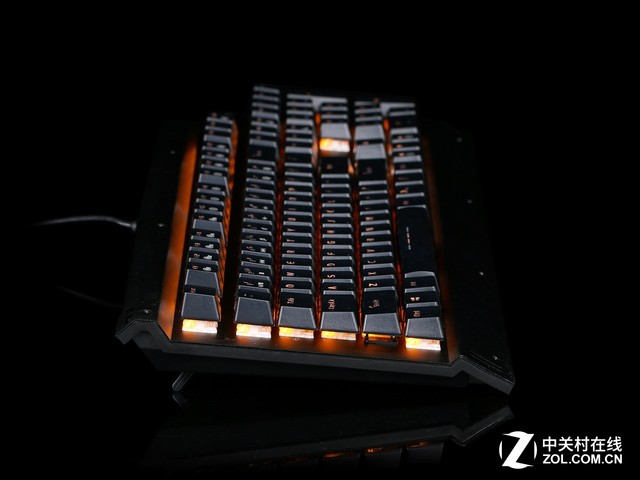 高性价比机械手感 达尔优EK812键盘评测