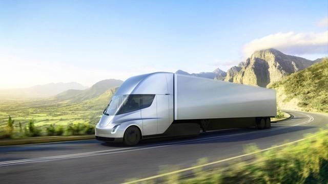 定制短途线路 DHL订特斯拉Semi电动卡车