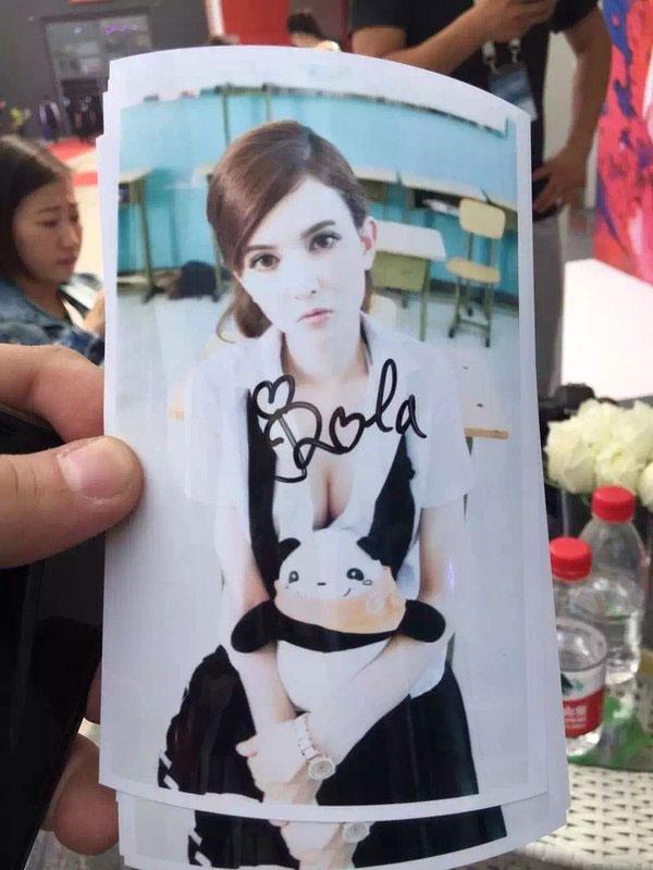 看过来!岛国硬盘女神登陆北京车展