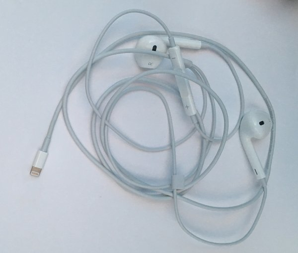 iphone7无耳机孔确认 耳机照流出
