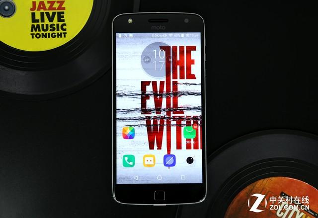 长续航娱乐强机 Moto Z Play全面评测