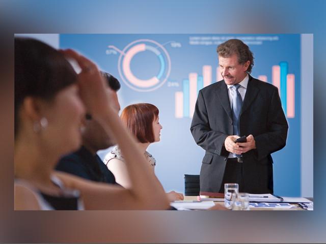 商用办公更时髦 选商用投影机助力会议