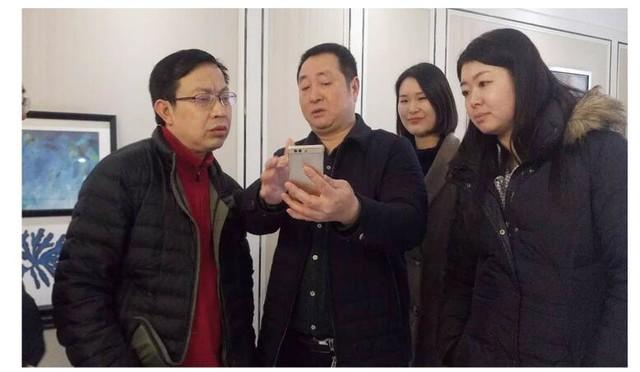 开发办领导考察华茂国际中心 为智慧社区点赞