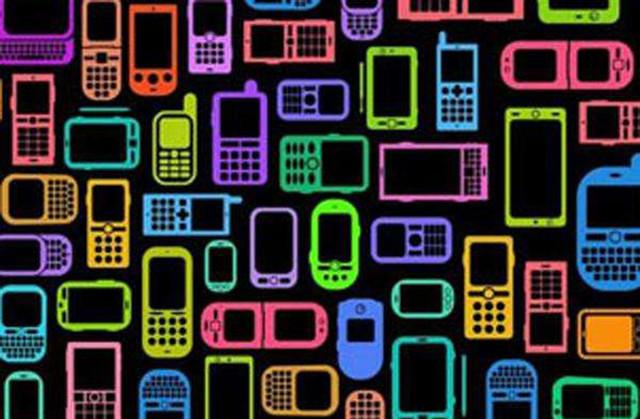 """关于""""刷手机""""坐地铁 你最关心的17个问题"""