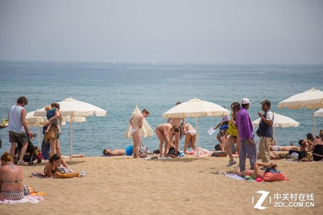 大C游世界 西班牙巴塞罗那最著名海滩