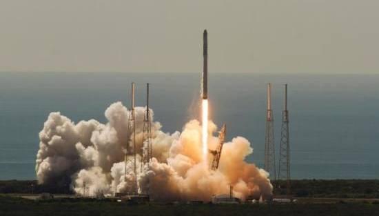 超级计算机升空 马斯克的SpaceX负责运送