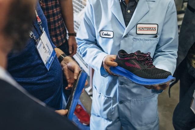 跑步黑科技 布鲁克斯尝试定制化跑鞋