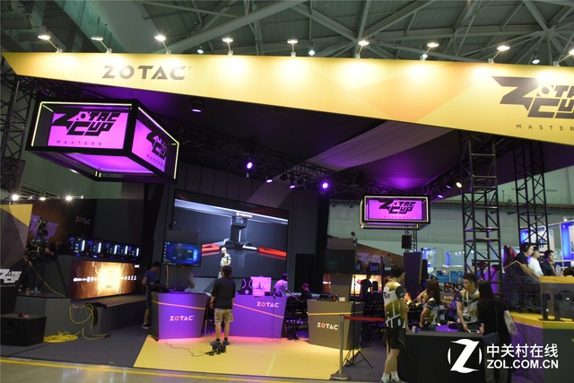 索泰展台现场直击 VR背包备受妹子瞩目
