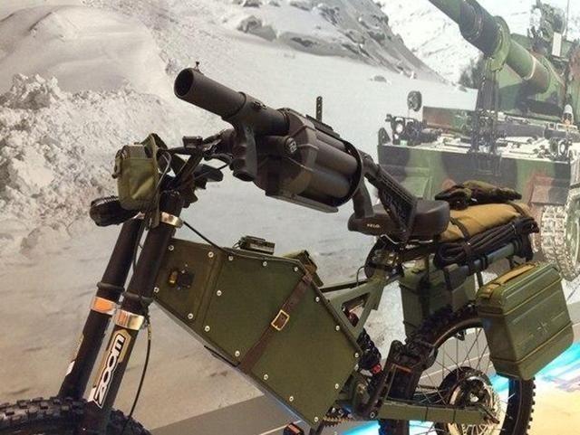 战场上的高速越野 俄罗斯军用电动摩托