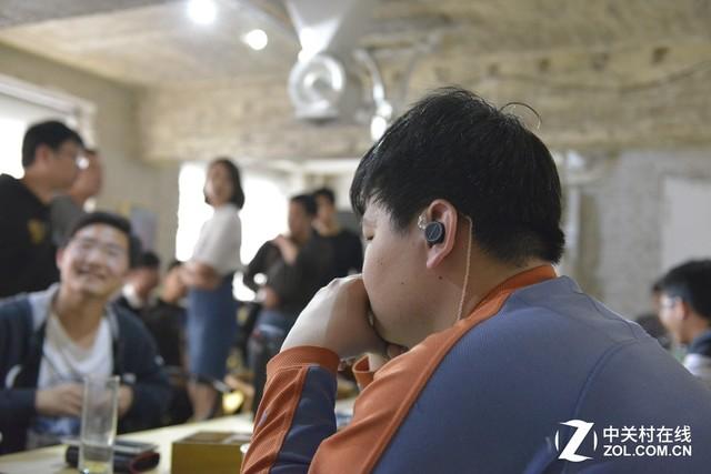 UM联合北京安润在京发布ME.1平板耳塞