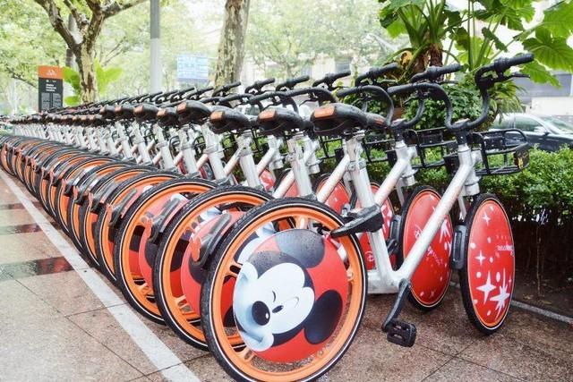 画风突变:摩拜单车迪士尼版亮相上海街头