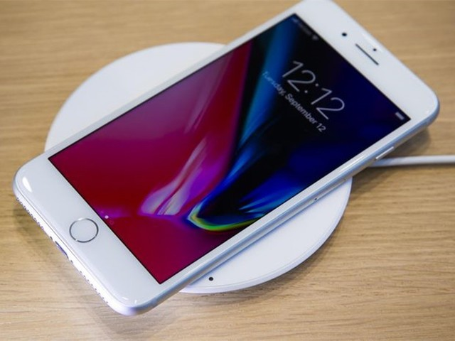 iPhone 8今天正式发售了 但貌似没人排队抢购