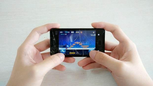 都在玩手机的时间里传统电竞何去何从