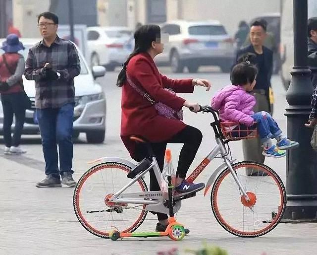 别作死:共享单车车篮带孩子害人害己