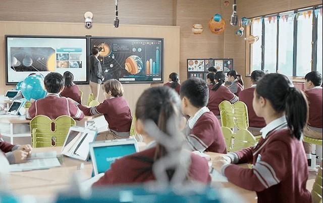 杰和F105D高清三显  助力校园信息化升级