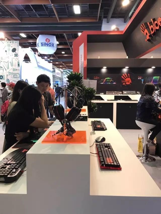 血手幽灵携众多新品亮相2017台北国际电脑展