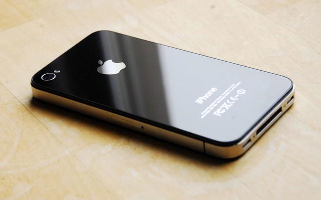 iPhone7S量产 复刻iPhone4纪念乔布斯?