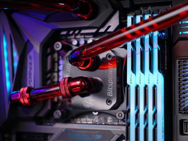 满载50度 7700K+GTX1070水冷主机实测