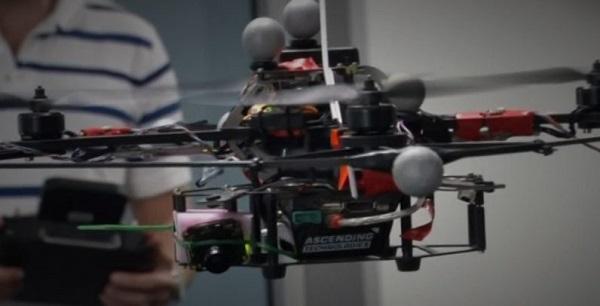 当AI遇到无人机 可自动识别3D环境飞行