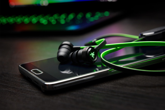 """雷蛇""""战锤狂鲨""""耳机推出蓝牙版和iOS版"""