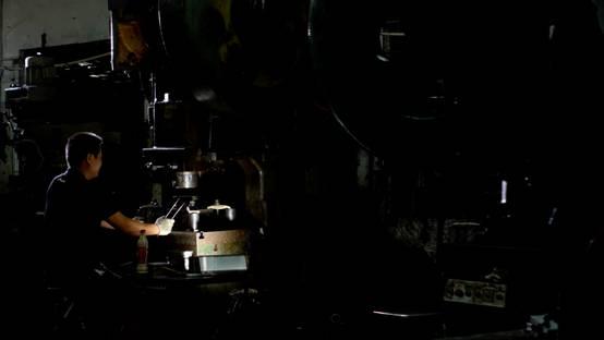 金属的色彩与嘶鸣--使用佳能C300拍摄微电影