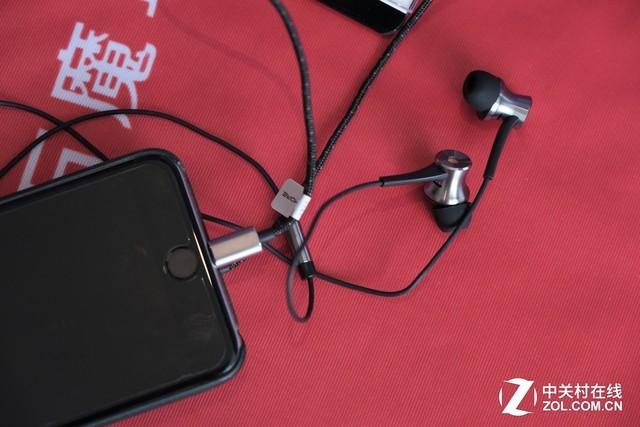 把好声音装进口袋里 1MORE耳机展台一览