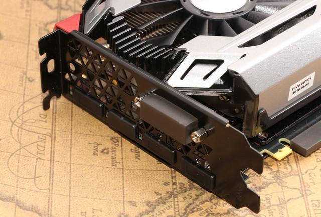 风冷之王 4风扇7热管GTX1070冰龙超级到