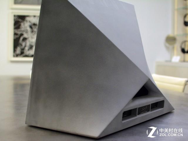 吓尿!这款用混凝土打造的音箱售价12万