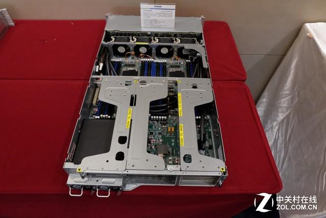 搭载英特尔至强E5 杰和四路服务器正式发布