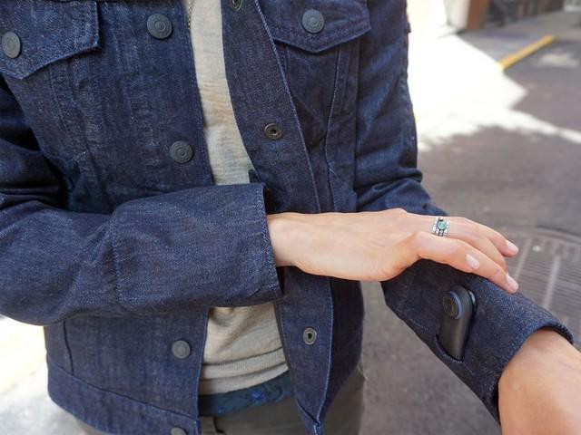 联合李维斯设计 谷歌智能夹克售价350美元