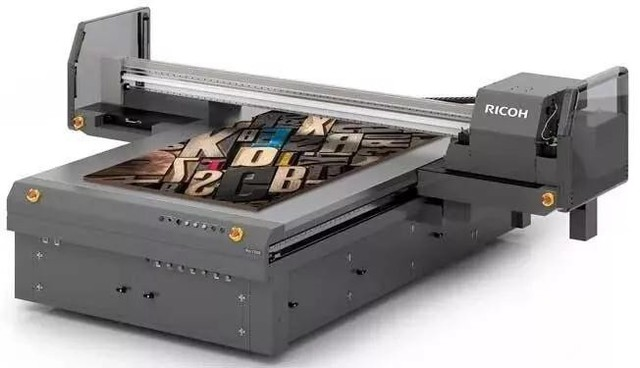 理光推出新型Pro T7210宽幅平板打印机