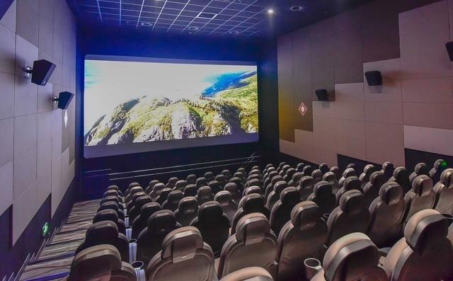 放映厅的背后 为什么有的电影票100多?