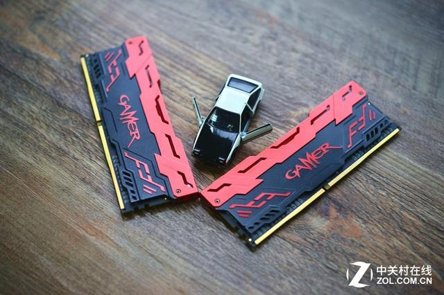 梦幻灯光秀 影驰GAMER DDR4-2400 8GB促