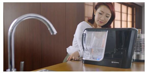 蕾拉小姐:我的纯净生活源自阿克萨纳桌面型动力净水器