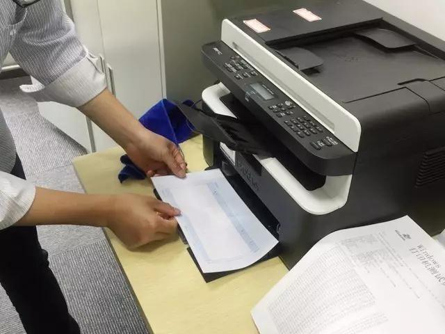 严格的公司财务大姐大用什么打印设备