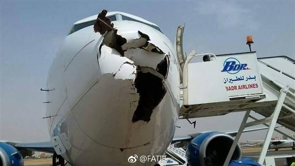 高速下的撞击 飞机撞上飞鸟机鼻被击穿