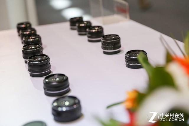 P&E2017 美科展台的镜头手柄和闪光灯