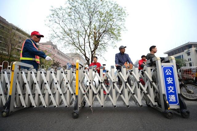外媒震惊!中国为防闯红灯竟用这种黑科技