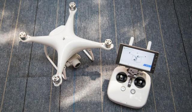 大疆造了台Android平板 专门用来搞飞机