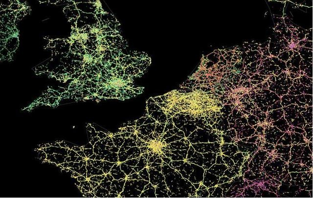 here 无人汽车将为城市 绘制 地图高清图片