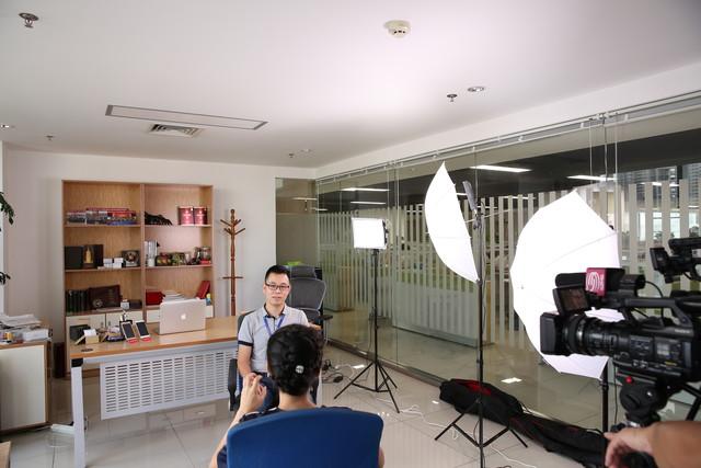 深圳电视台专访|邦华手机•打造磐石品质