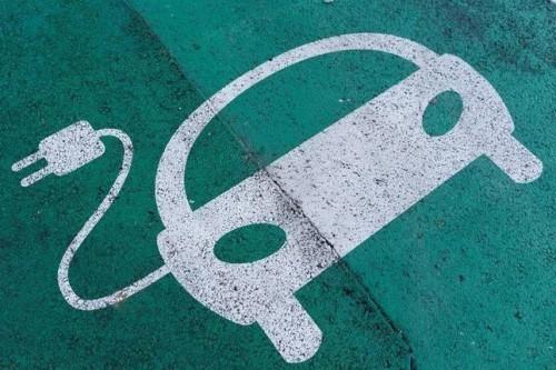 或在2040年禁售燃油车 中国将发相关规定