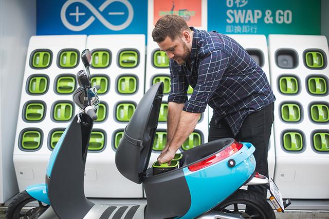 解燃眉 电动车续航问题不能死等电池革命