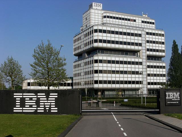 IBM与红帽联手构建开源混合云环境