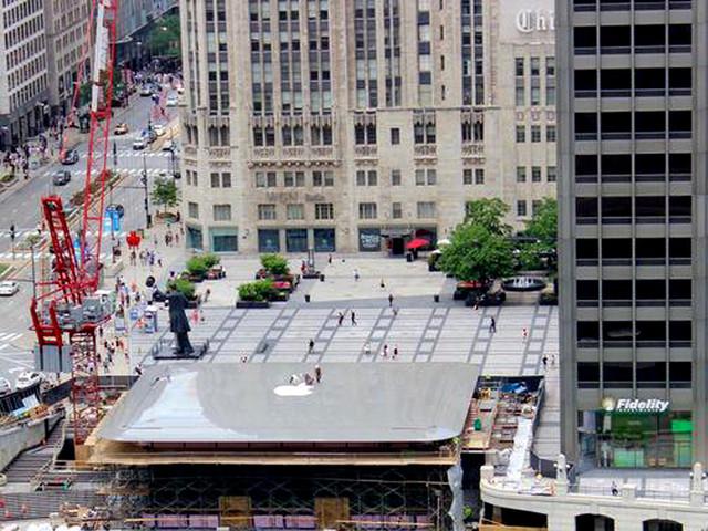 巨型MacBook作屋顶?芝加哥苹果店很疯狂